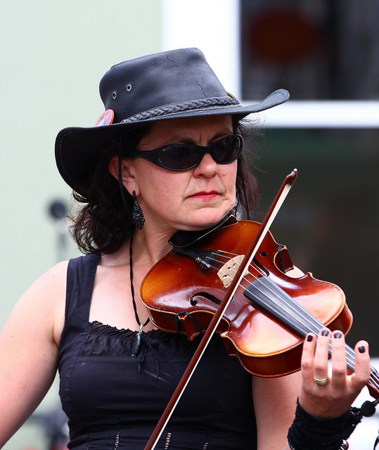 lady with fiddle